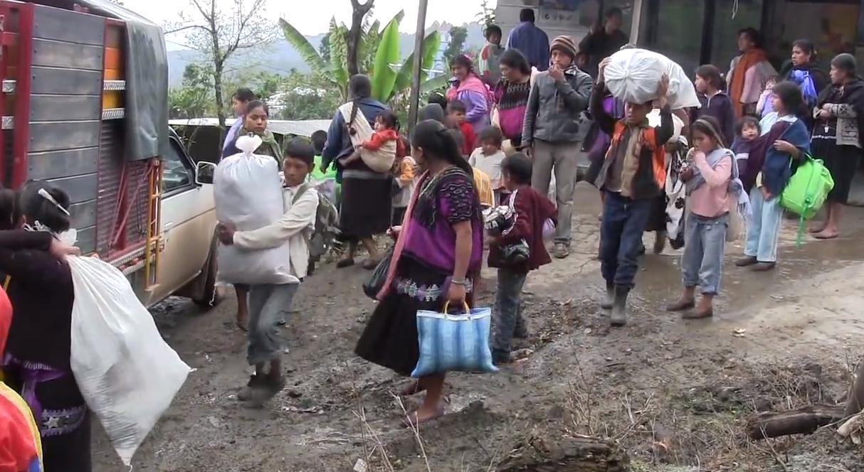 Acreditan violación a los derechos humanos de 971 indígenas desplazados de Chenalhó