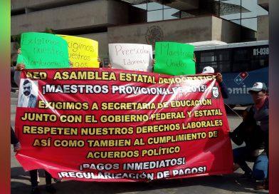 Con protestas públicas maestros cobran adeudos a Manuel Velasco