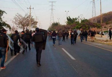 Desalojan predio en Tuxtla Gutiérrez; invasores roban armas y vandalizan comercios