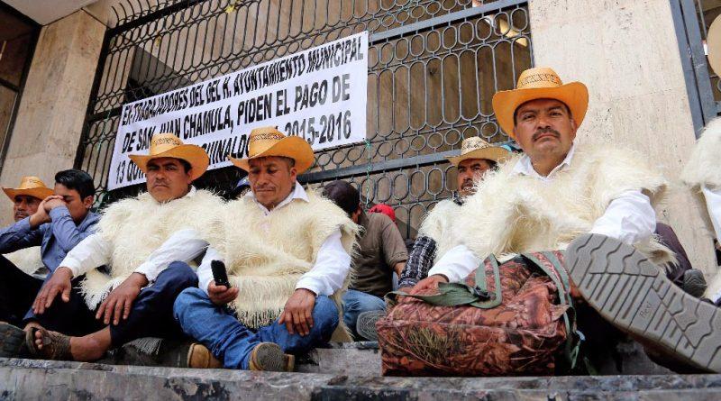 77 ex trabajadores del ayuntamiento de Chamula en huelga de hambre